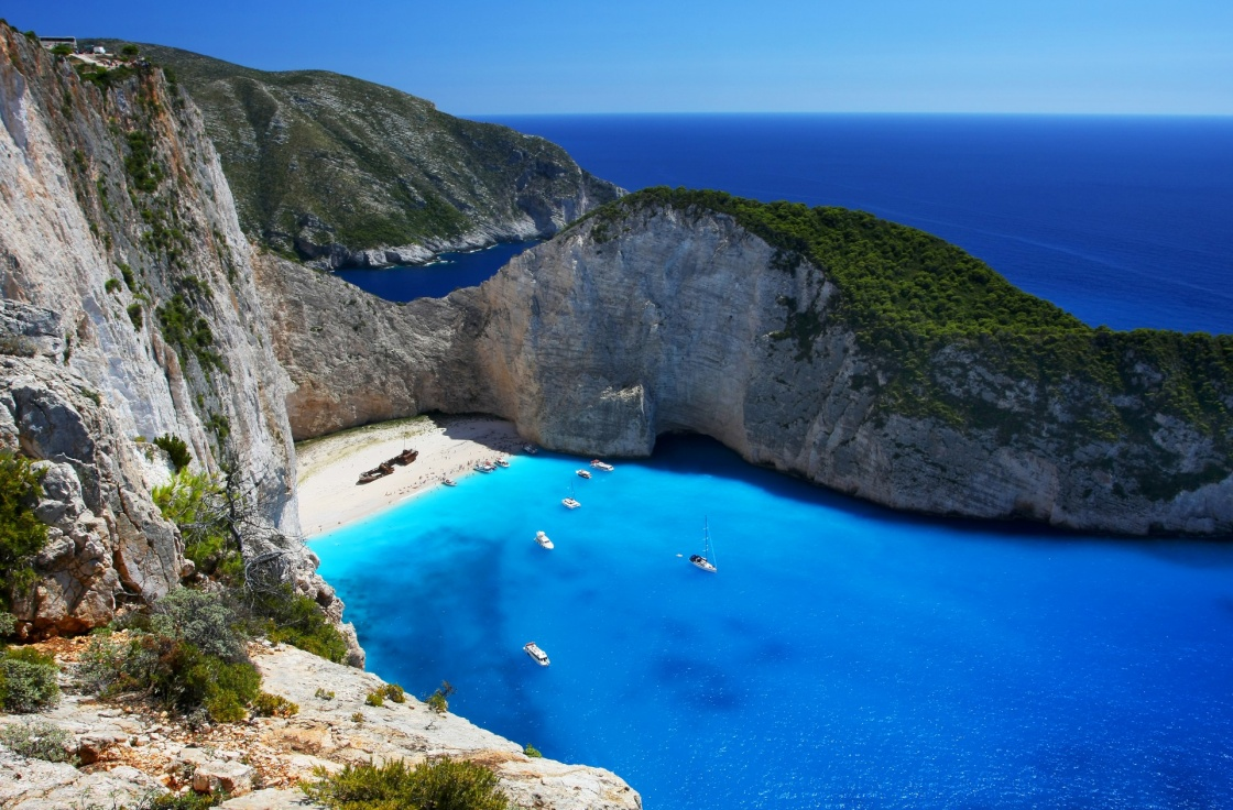 'Navagio - the most famous beach on Zakynthos island with shipwreck and anchoring boats  (Greece, Ionian islands)' - Ζάκυνθος